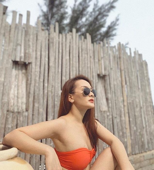 Bao Thanh cham dang anh mac ao tam hinh anh 3