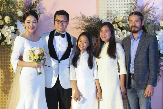 Mai Phuong Thuy den tre tiec cuoi BTV Thoi su Thu Ha hinh anh 11