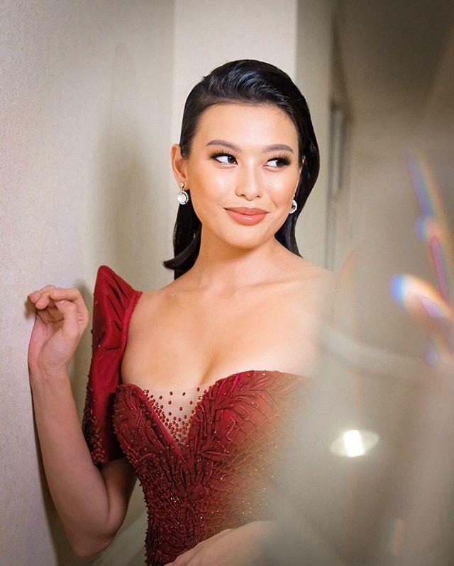 Dan doi thu cua Luong Thuy Linh o Hoa hau The gioi 2019 hinh anh 8