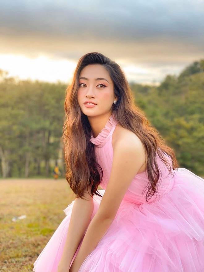 Dan doi thu cua Luong Thuy Linh o Hoa hau The gioi 2019 hinh anh 2