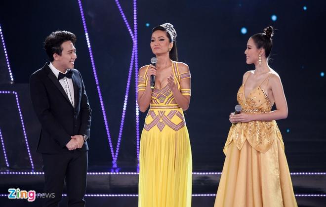 Nguyen Tran Khanh Van dang quang Hoa hau Hoan vu Viet Nam 2019 hinh anh 30