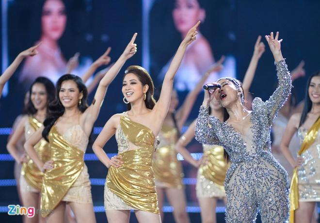 Nguyen Tran Khanh Van dang quang Hoa hau Hoan vu Viet Nam 2019 hinh anh 14