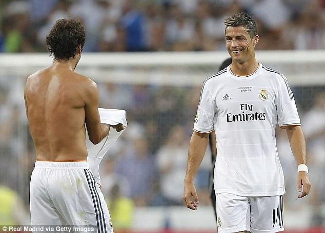 Real Madrid 5-0 Al Sadd: Ton vinh Chua nhan hinh anh