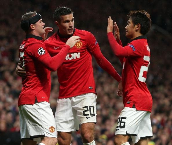 MU ha guc Leverkusen nho su thang hoa cua Rooney, Persie hinh anh