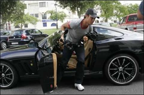 Cristiano Ronaldo doi mot moi ngay dung mot sieu xe hinh anh 5