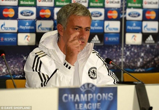 Mourinho tuc gian roi khoi buoi hop bao Champions League hinh anh