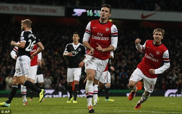 Giroud lap cu dup, Arsenal xay chac ngoi dau Ngoai hang Anh hinh anh