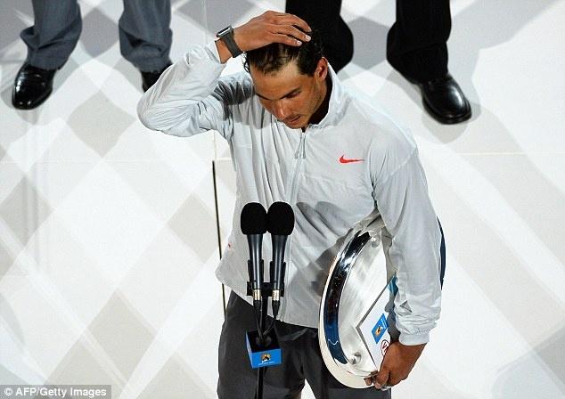 Nadal bat khoc khi thua Wawrinka o chung ket Australia Open hinh anh 14