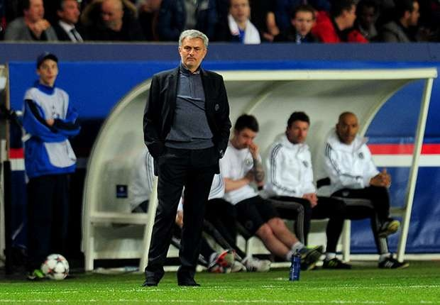 Mourinho noi dien voi hang thu Chelsea hinh anh