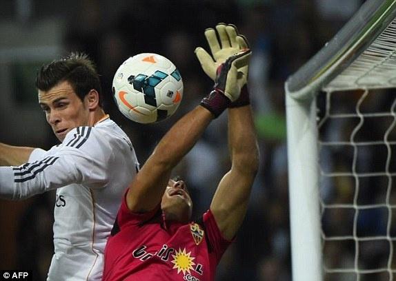Bale thay Ronaldo dua Real len vi tri so 2 hinh anh 1