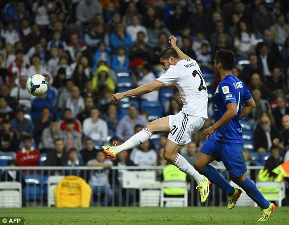Bale thay Ronaldo dua Real len vi tri so 2 hinh anh 7