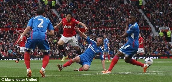 Giggs ghi dau an trong tran cuoi cua M.U tai Old Trafford hinh anh 2