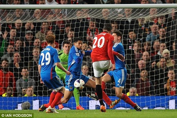 Giggs ghi dau an trong tran cuoi cua M.U tai Old Trafford hinh anh 12