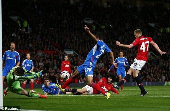 Giggs ghi dau an trong tran cuoi cua M.U tai Old Trafford hinh anh 9