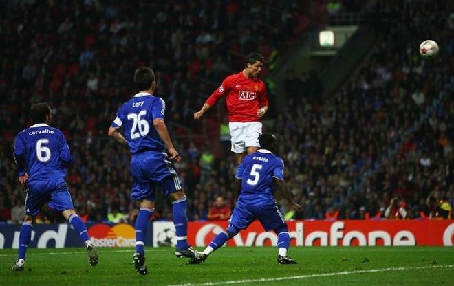 Tron 6 nam Ronaldo 'chet di song lai' o Champions League hinh anh 1