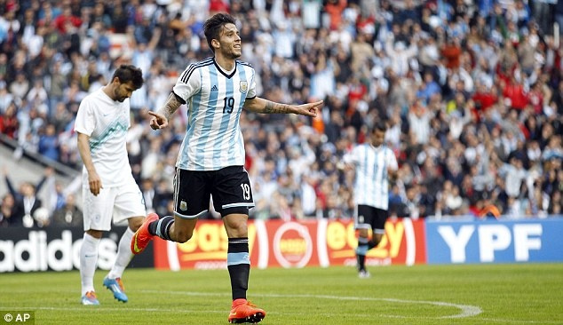 Messi ghi ban giup DT Argentina thang Slovenia 2-0 hinh anh 5