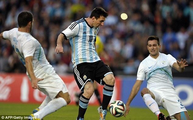 Messi ghi ban giup DT Argentina thang Slovenia 2-0 hinh anh
