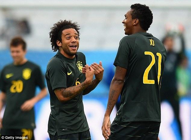 Tuyen Brazil phan khich truoc tran ra quan o World Cup hinh anh 11