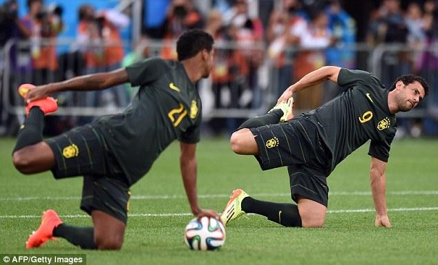 Tuyen Brazil phan khich truoc tran ra quan o World Cup hinh anh 6