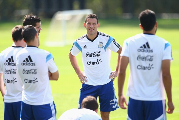 Messi khong bung suc tap luyen truoc tran gap Iran hinh anh 1