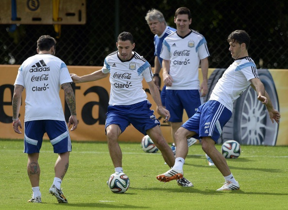 Messi khong bung suc tap luyen truoc tran gap Iran hinh anh 3
