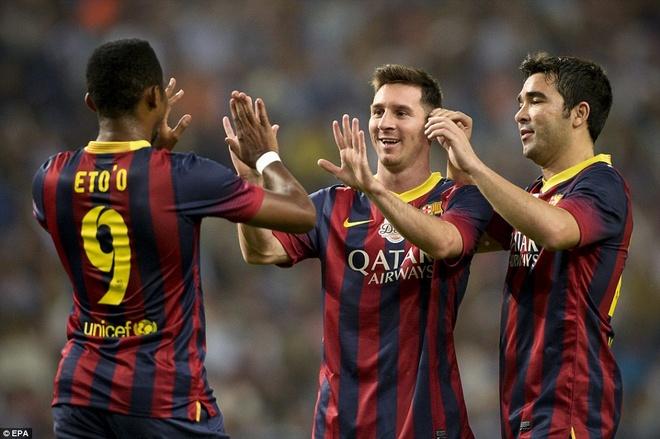 Messi, Eto'o quay tung bung trong tran ton vinh Deco hinh anh