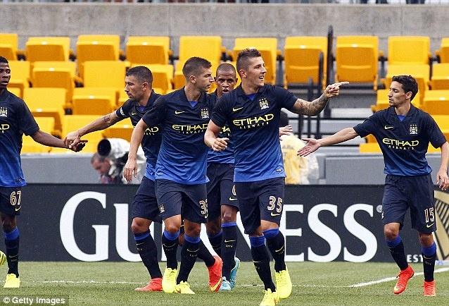 Man City vui dap Milan trong tran mua ban thang hinh anh