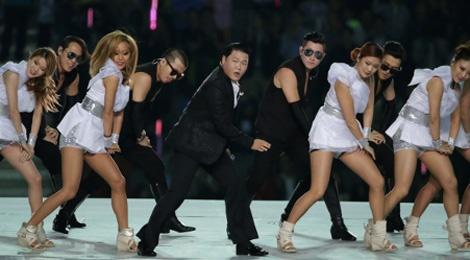 Dieu nhay ngua cua Psy lam soi dong ASIAD 17 hinh anh