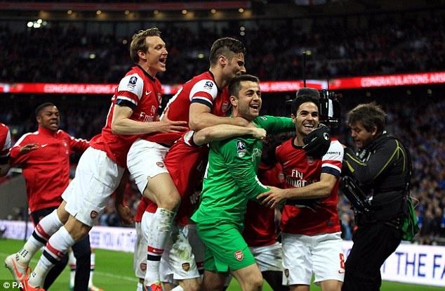 Hinh anh Arsenal dem den cam xuc kho quen cho CDV nam 2014 hinh anh 4 a