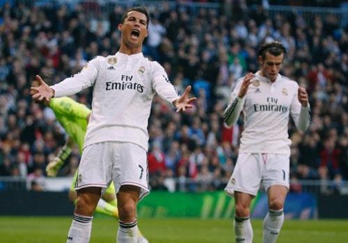 Nhung lan Ronaldo noi gian khi Bale choi ich ky hinh anh