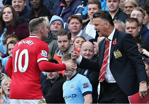 HLV Van Gaal khong the thieu Rooney o hang tien ve hinh anh