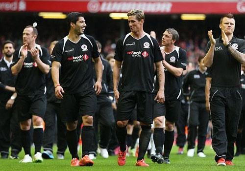 Torres, Suarez da cap trong ngay dan sao Liverpool hoi ngo hinh anh