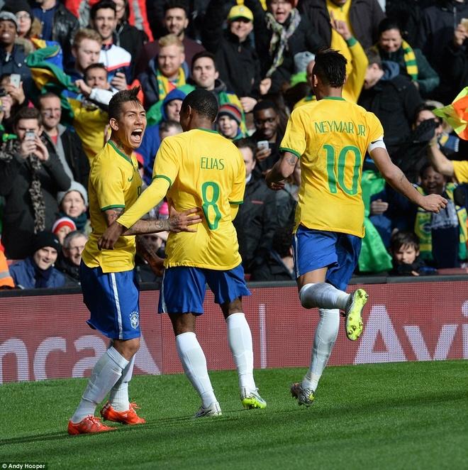 Dan sao Brazil di choi dem o London hinh anh 6