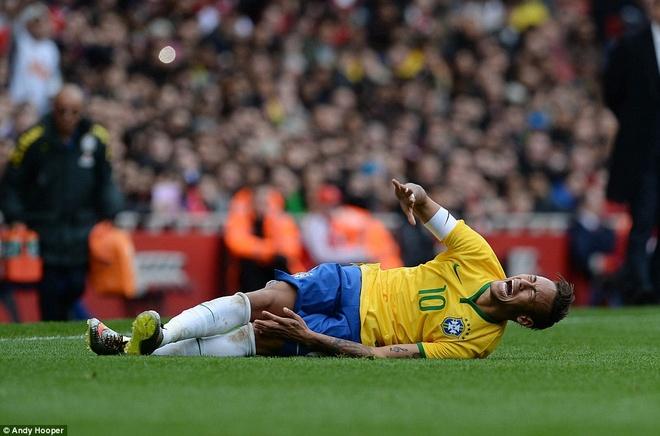 Dan sao Brazil di choi dem o London hinh anh 7