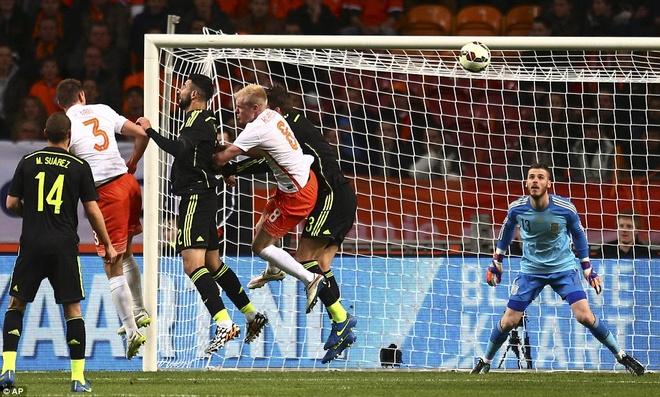De Gea bat chinh trong tran Tay Ban Nha thua Ha Lan 0-2 hinh anh 1