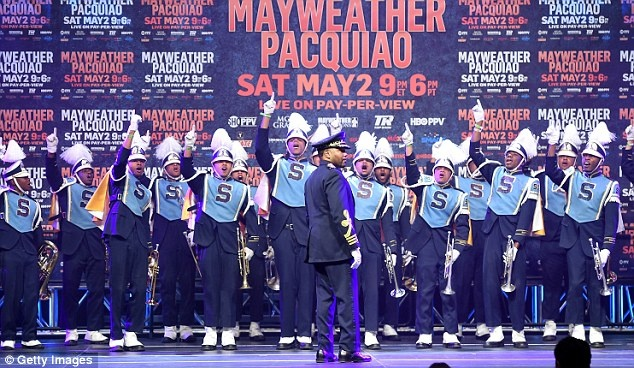 Mayweather ra mat o Las Vegas, san sang so gang voi Pacquiao hinh anh 12