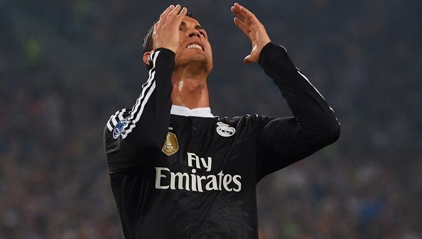Ronaldo lap ky luc ghi ban, Real van thua Juve 1-2 hinh anh