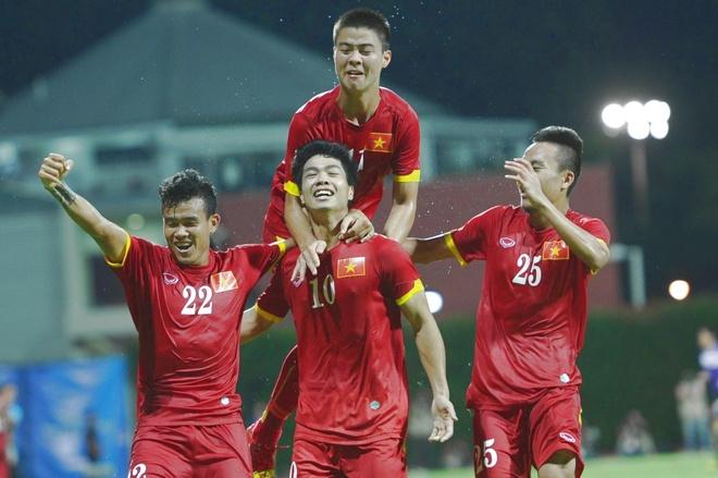 Cong Phuong da noi bat, U23 VN thang Malaysia 5-1 hinh anh