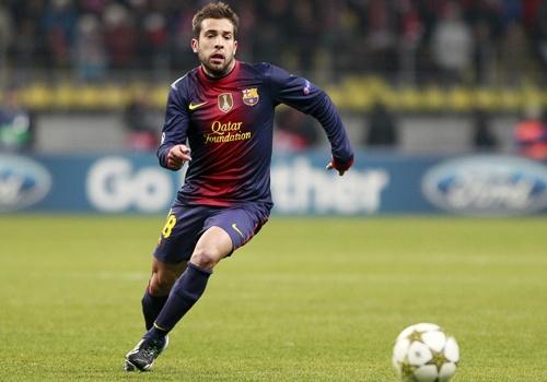Chuyen nhuong 2/6: Barcelona gia han hop dong voi Jordi Alba hinh anh