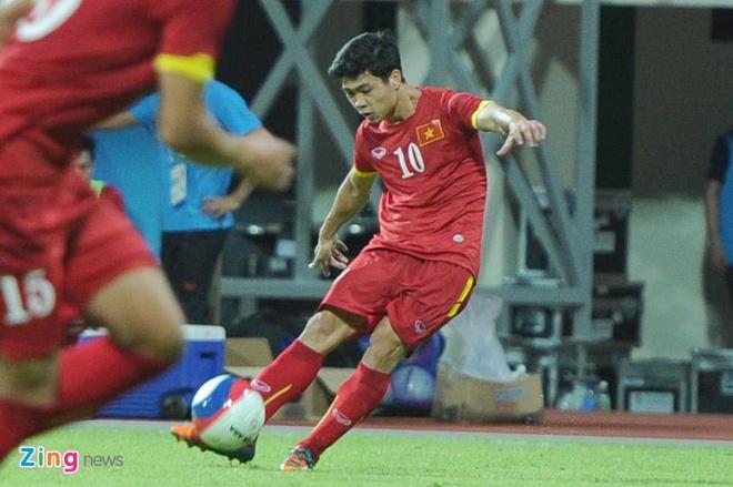 Cong Phuong da noi bat, U23 VN thang Malaysia 5-1 hinh anh 1