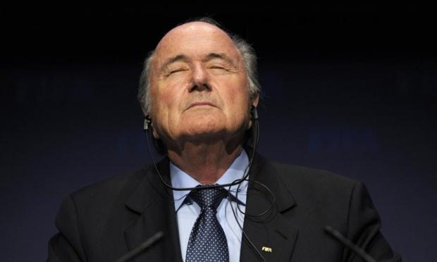 Ong Sepp Blatter bi dieu tra vi toi tham nhung hinh anh