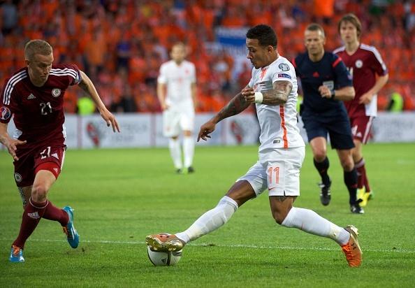 DT Ha Lan thang 2-0 de bam duoi hai doi dau bang hinh anh