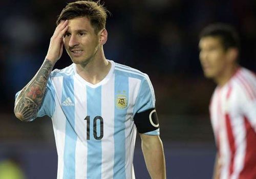 Diem tin: Messi tu choi nhan giai cau thu hay nhat tran hinh anh