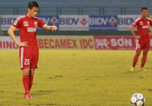 Danh bai SLNA 2-1, B.Binh Duong vao ban ket cup quoc gia hinh anh