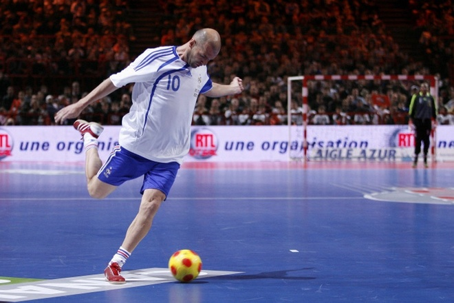 Nhung pha bieu dien cua ba bo con nha Zidane hinh anh