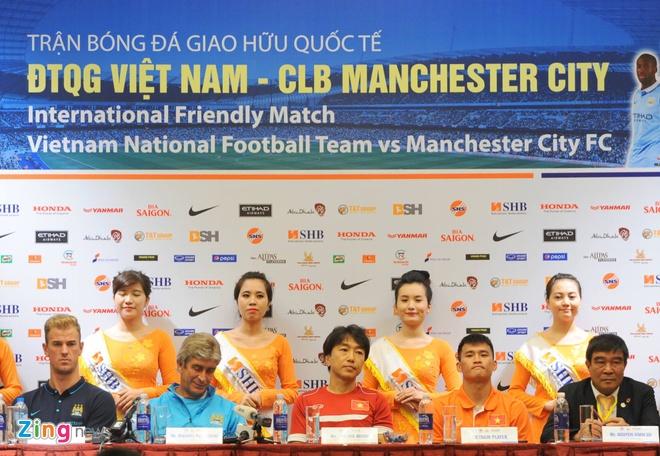 Hang nghin fan Viet co vu Man City tap luyen hinh anh 5