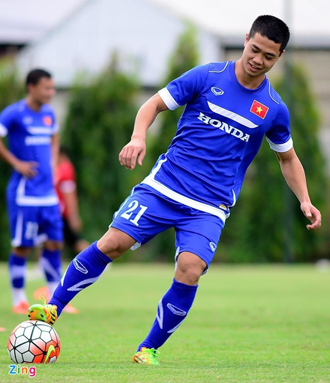 Hang nghin fan Viet co vu Man City tap luyen hinh anh 11