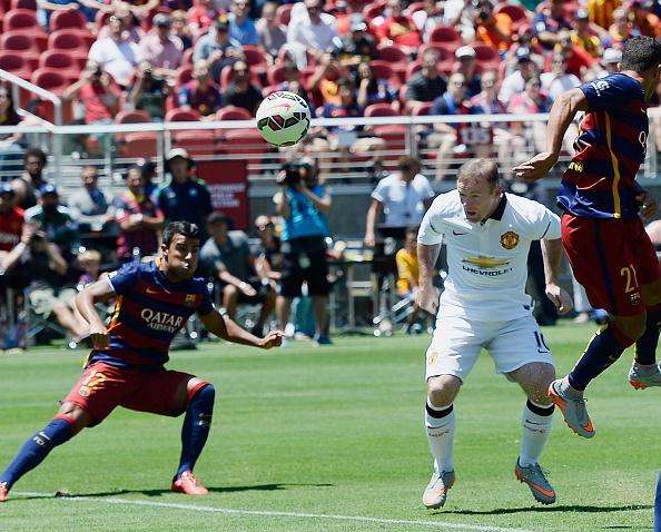 Rooney ghi ban, M.U danh bai Barcelona 3-1 hinh anh 2
