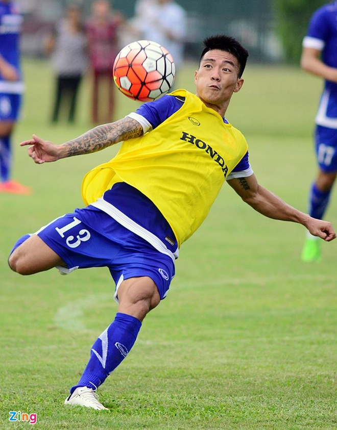 Hang nghin fan Viet co vu Man City tap luyen hinh anh 13