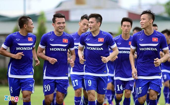 Hang nghin fan Viet co vu Man City tap luyen hinh anh 6